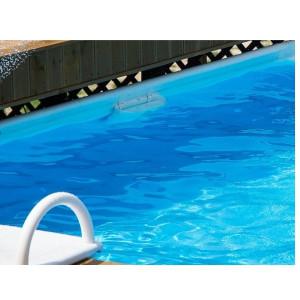 das Bild zeigt ein Schwimmbad mit Clickpools Folie in der Farbe azur