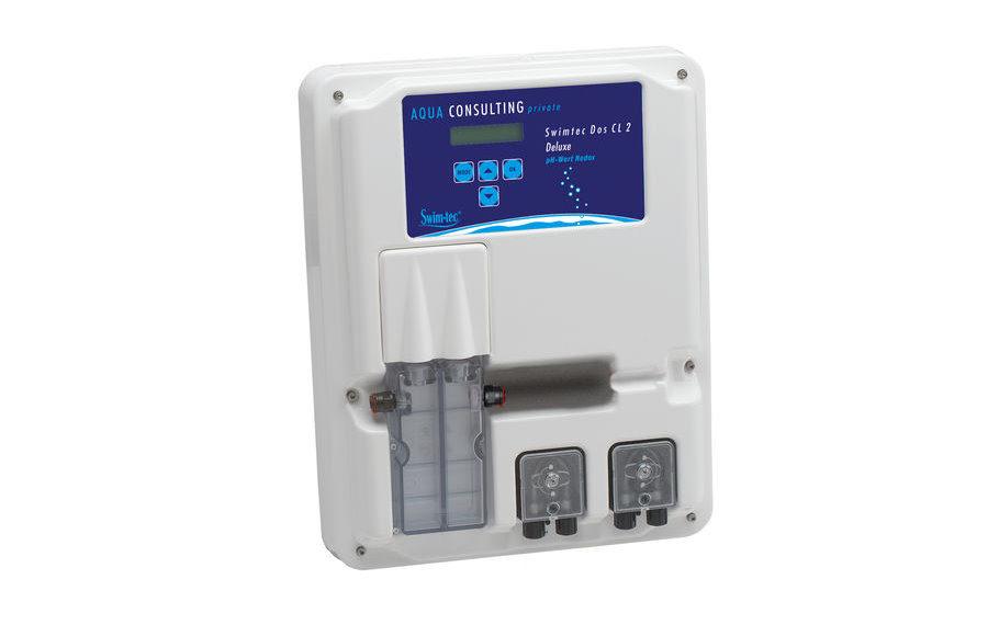 das Bild zeigt einen Swimtec Dosierautomat CL2 Deluxe zur Wasserpflege im Swimming Pool